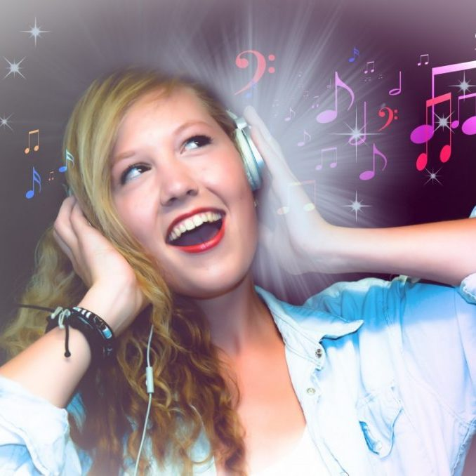 singer_karaoke_girl_woman_sing_singing_music_headphones-1249513